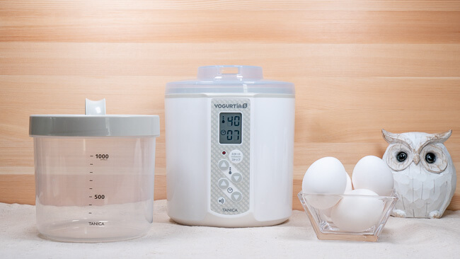 ヨーグルティアSと容器と卵